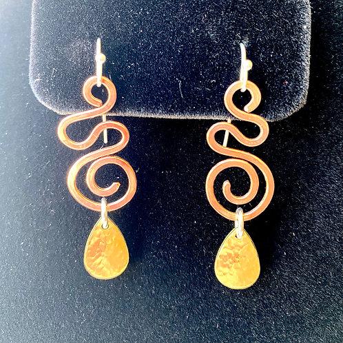 Copper swirls with brass drops // earrings