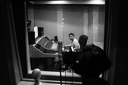 Joey Casanova vocal producing Miles Jenson Hot 16