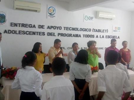 Entrega de Apoyos Tecnológico del Programa Todos a la Escuela