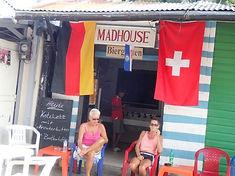 Madhouse Deutsche Spezialitäten in Boca Chica. Treffpunkt für Europäer.