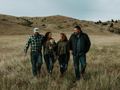 Family Photoshoot at Saltese Uplands in Liberty Lake Washington