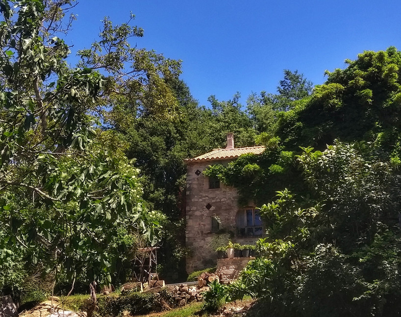 The apartment as seen from the upper garden