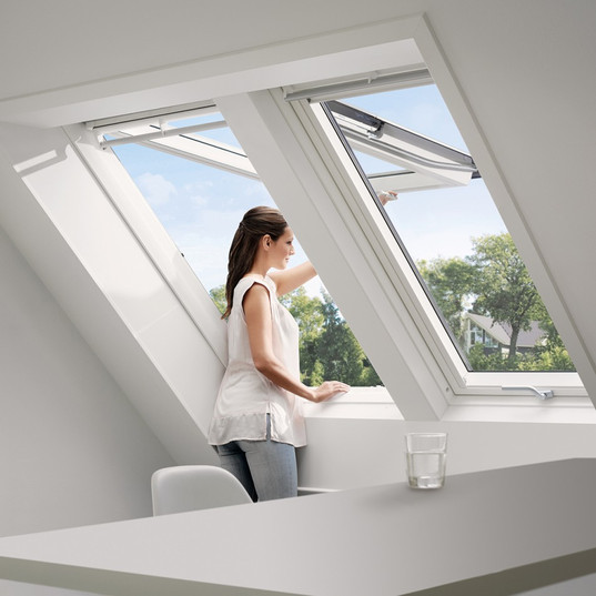 2 חלונות גג ציר כפול
