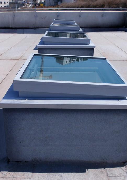 חלונות גג סקיילייט