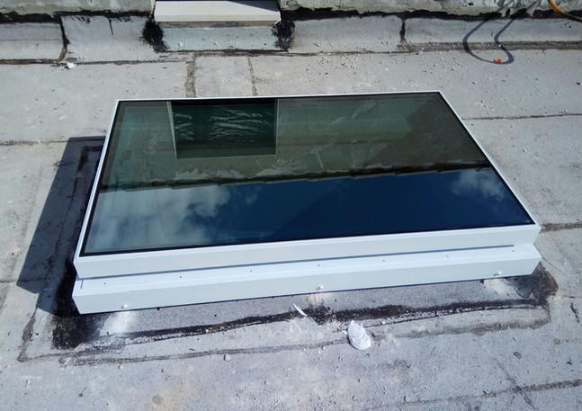 חלון סקיילייט קבוע מרובע
