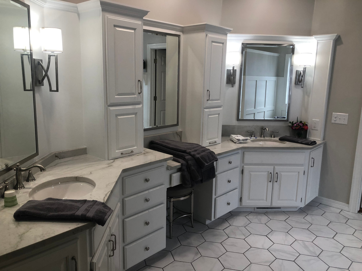 Hexogonal Master Bathroom