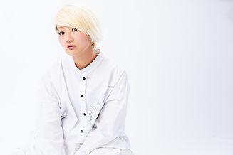 EJ_prf_white_2.jpg