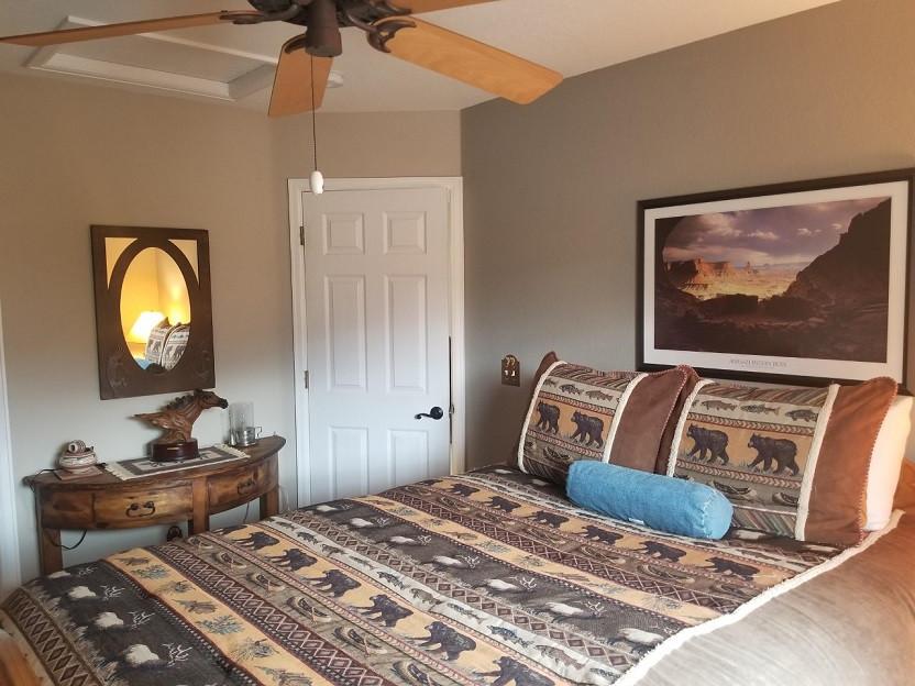Guest Bedroom 1.jpg