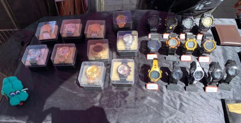 Relógios falsificados são apreendidos em Feira, no Rocha