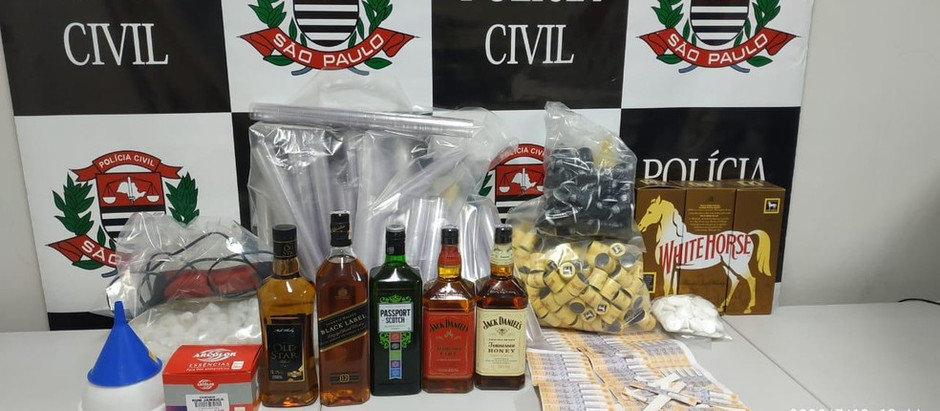 Homem é preso por falsificação de bebidas alcoólicas em fábrica clandestina