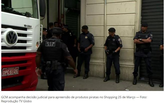 Shopping 25 de Março é fechado após operação contra pirataria