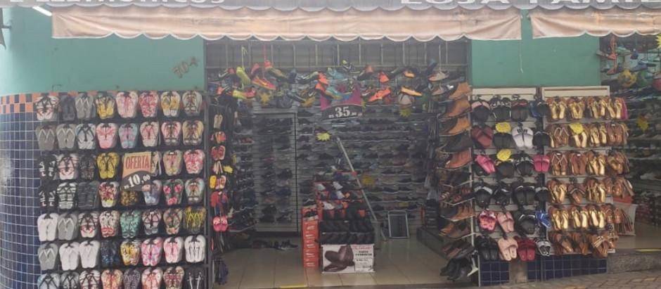 Polícia Civil apreende 14 toneladas de calçados falsificados em Aparecida