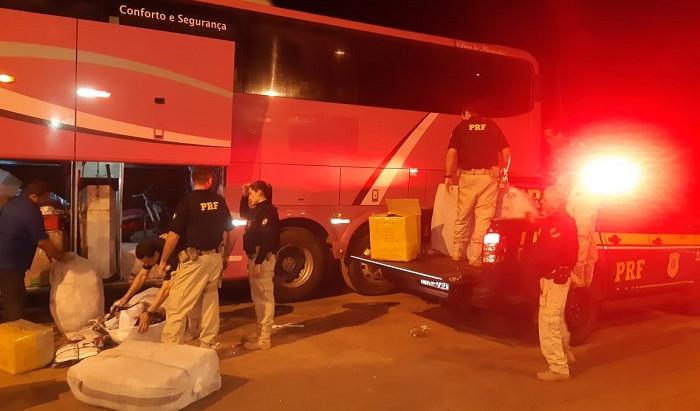 Ônibus carregado de contrabando é apreendido em Açailândia