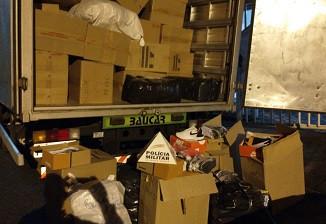 PM apreende 6 toneladas de calçados falsificados em Igaratinga; carga teria vindo de Nova Serrana