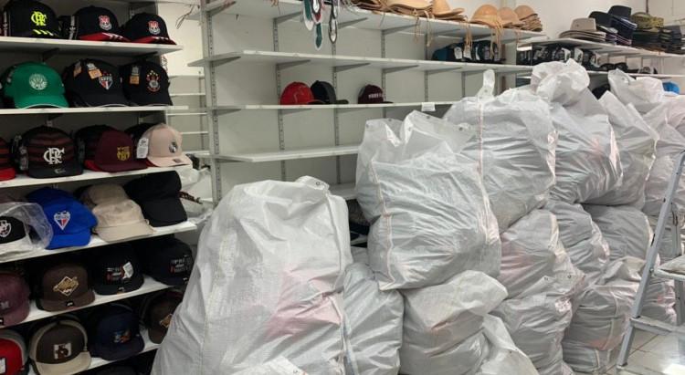 Receita Federal apreende 12 toneladas de mercadorias falsificadas no Centro de Fortaleza