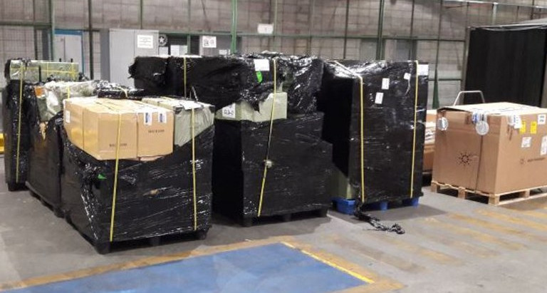 R. Federal apreende aproximadamente cinco toneladas de mercadorias com falsa declaração de conteúdo