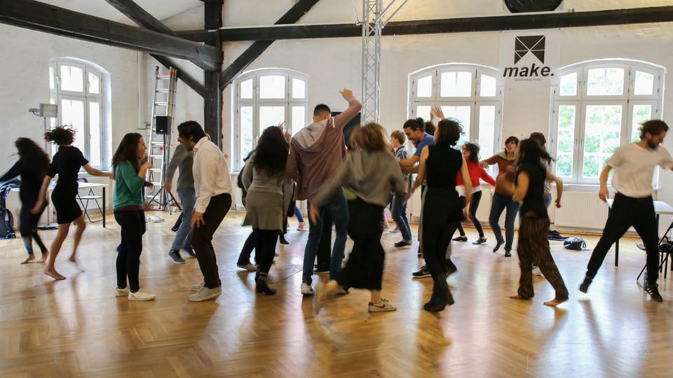 Actors dancing Momentum Medina Masterclass