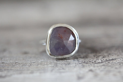 Sea Sapphire Ring in Violet
