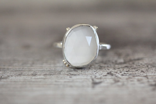 Grains Cream Moonstone Ring