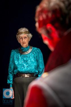 Jean Apps as Queen Duncan