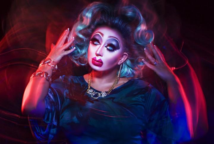 bio queen, faux queen, female drag queen