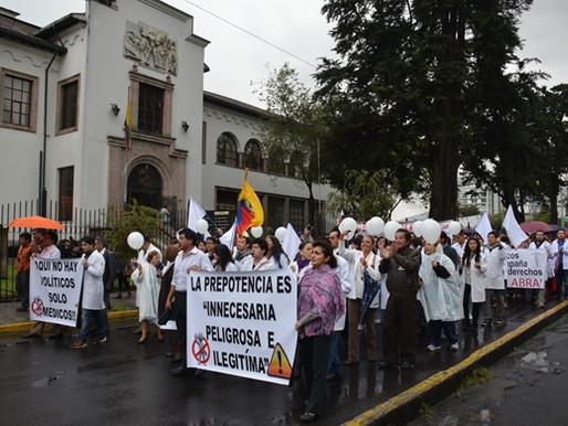 EL 21 DE FEBRERO SE CELEBRA EL DÍA DEL MÉDICO ECUATORIANO