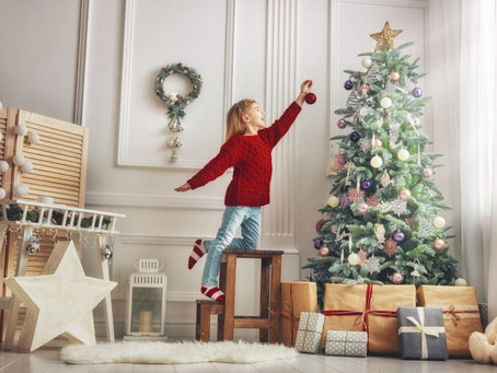 6 Ways to Decorate Safely for the Holidays