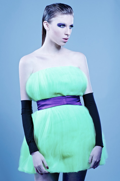 Fashion Design: Karol Farias Styling: Zedu Carvalho Foto: Pedro Accioly Modelo: Alana Tedesco