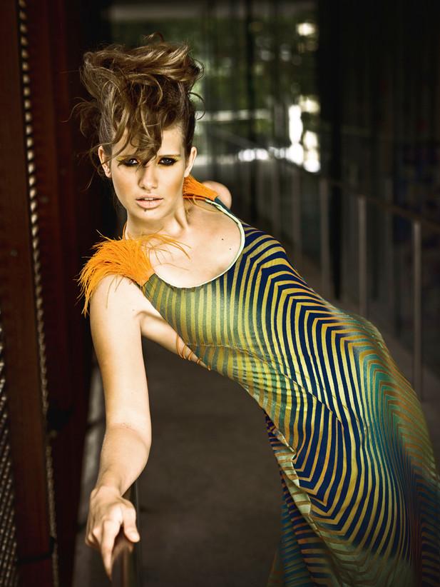 Fashion Design: Karol Farias Foto: Michel Rey Make: Ricardo Brandão Modelo: Louise Rey