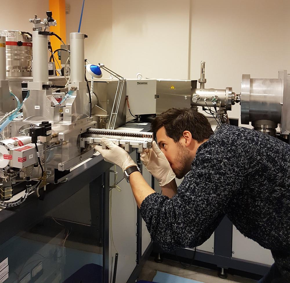 Giacomo Capuzzo working on the AMS.