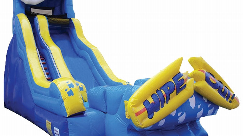 Wipeout Dry/Wet inflatable Slide