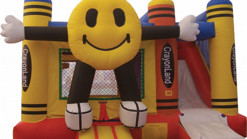 Crayon smile Combo jumping castle