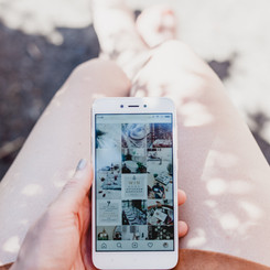 10 Instagram Feeds Full of Holiday Spirit