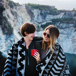 12 Things to Do With Your BFFs This Holiday