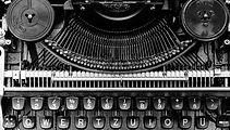 typewriter-1156829_1920-kaeG-ID000002-10