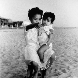 niñosplaya.jpgClaudia Shapiro, Portafolio Blanco y Negro, Retratos