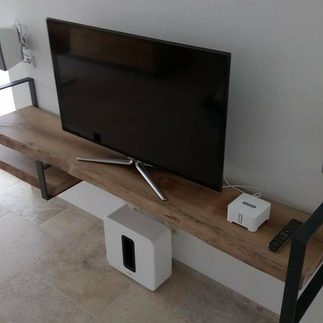TV-BOARD / EICHE / STAHL