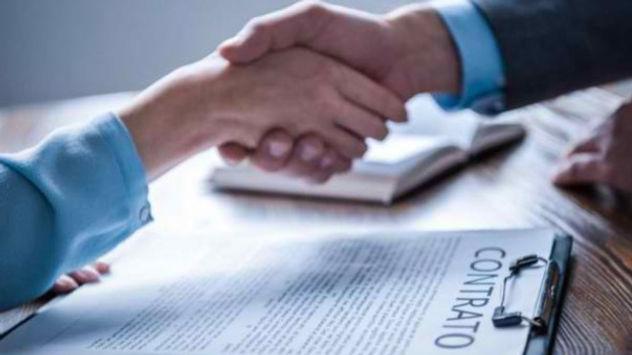 contrato-laboral_edited.jpg