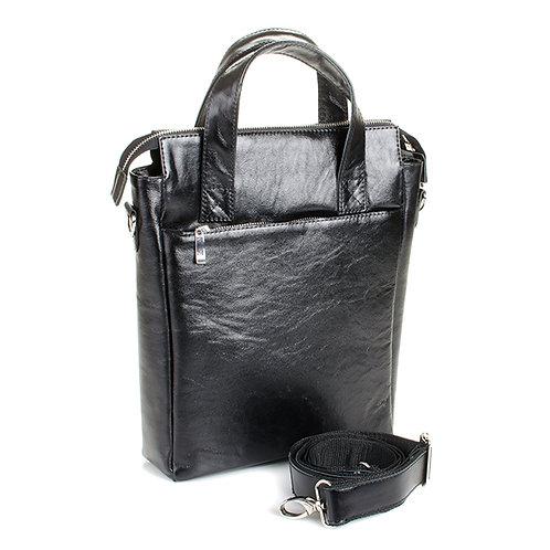 Вертикальная сумка с тиснением.