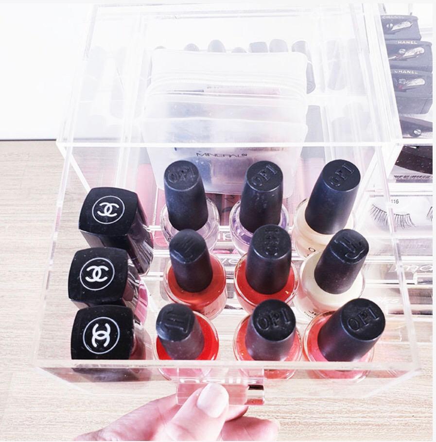 nail polish organzied