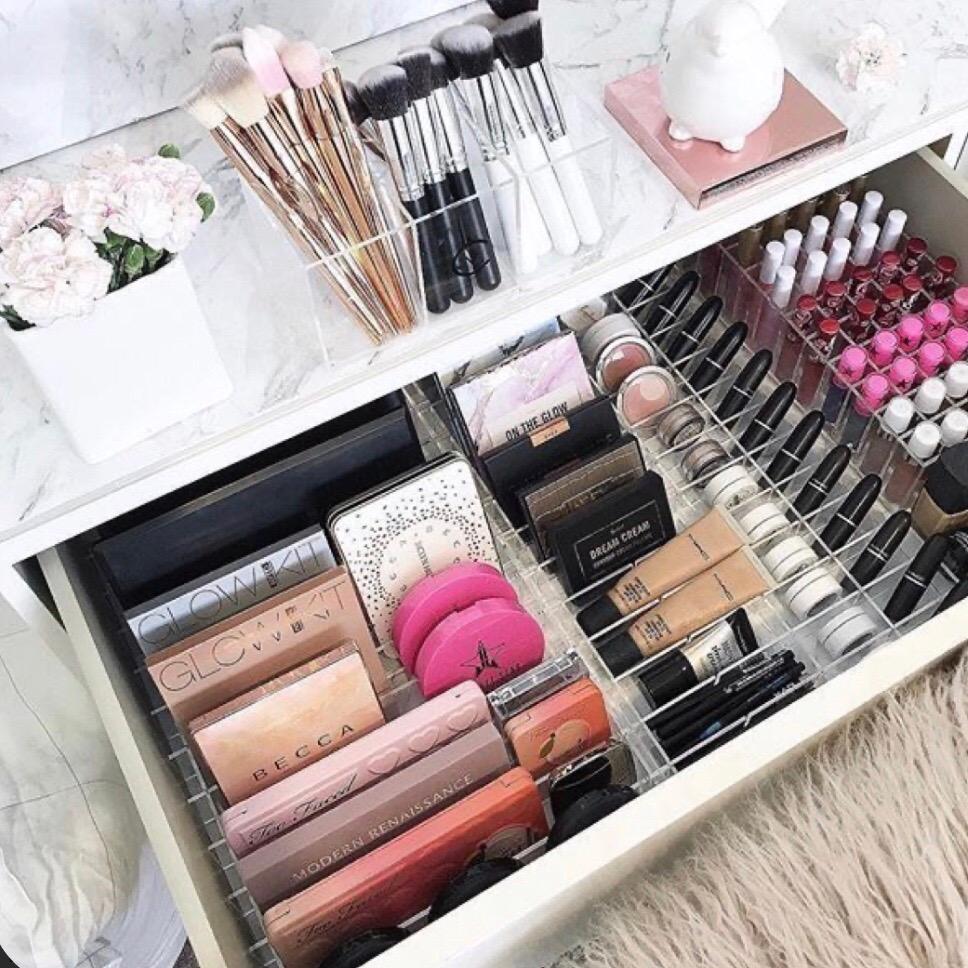 Make Up Organzied