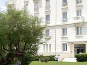 A VENDRE Superbe appartement dans Immeuble de Prestige début XXème à BIARRITZ Front de Mer 924000 €