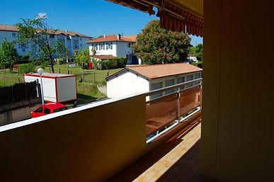 Vaste T4 avec terrasse et parking