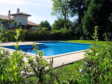T2 avec balcon et parking dans résidence avec piscine