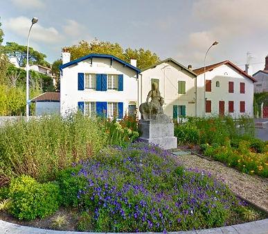 Maison de Ville dans petit Chalet Biarrot début XXème à rénover