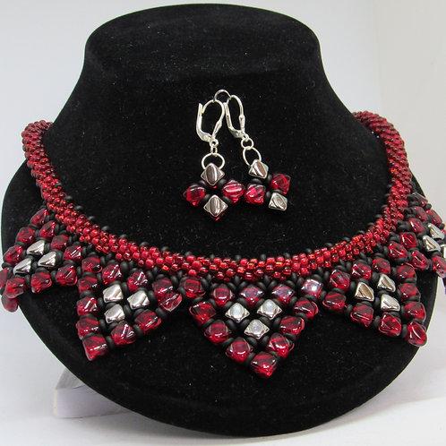 Glitzy Silky Star Necklace & Earrings