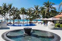 hotel luxe avec piscine sur la plage en thailande