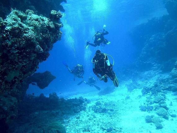 site de plongée sous-marine formations calcaires