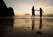 couple sur plage thailande