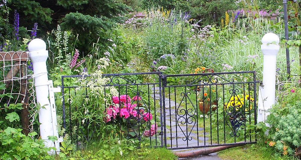 image of garden gate.
